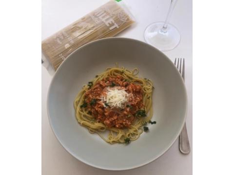 Spagetti köles tészta bolognai raguval